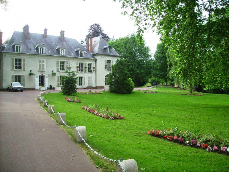 Le petit ch teau de valnay sarah kevin for Chateau etampes